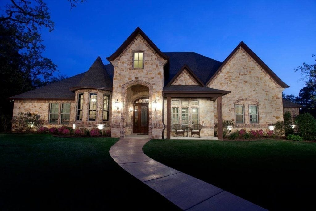 Warren Home - Bayless Custom Homes Tyler - Custom Home Builder Tyler TX 1
