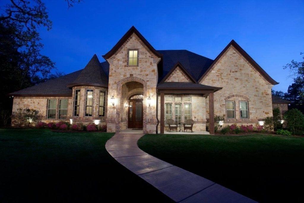 Warren Home - Bayless Custom Homes Tyler - Custom Home Builder Tyler TX 1